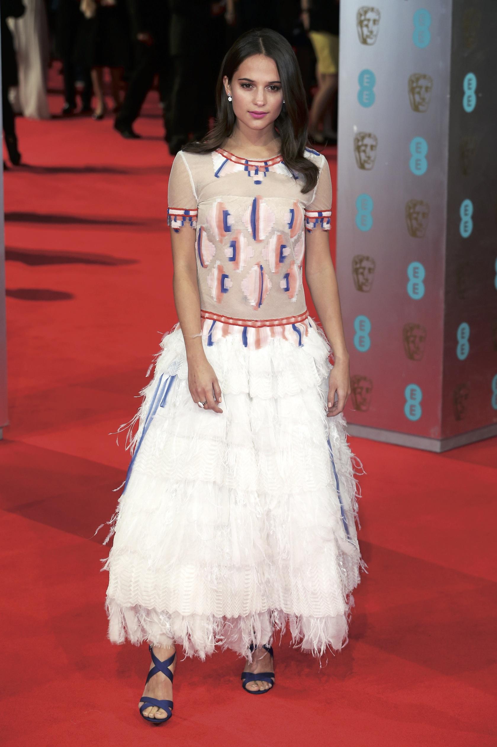 Alicia Vikander in Chanel.