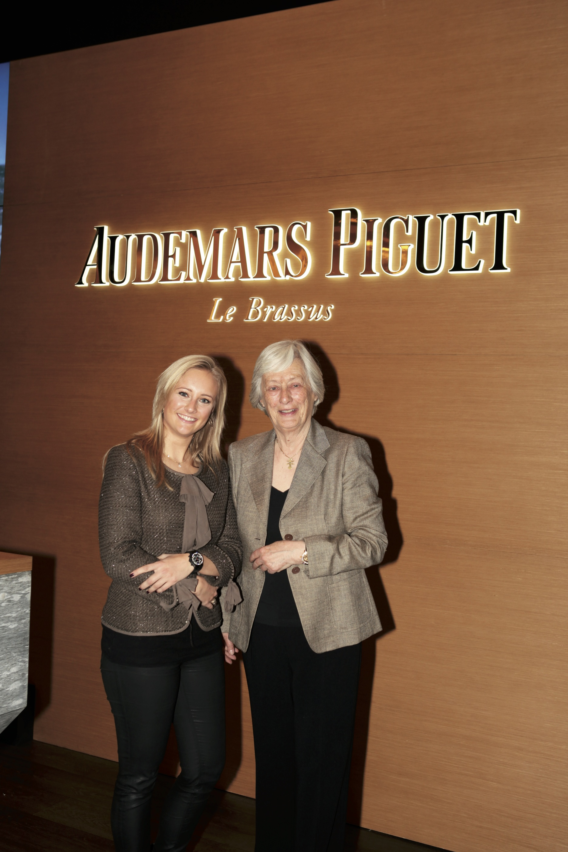 Pascalle Veenman together  with Jasmine Audears.